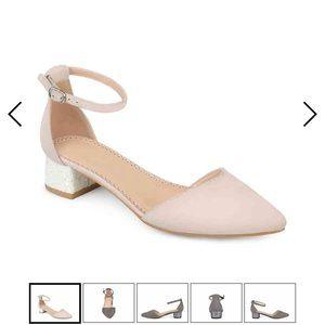 Journee Collection Maisy Pump, Bone color